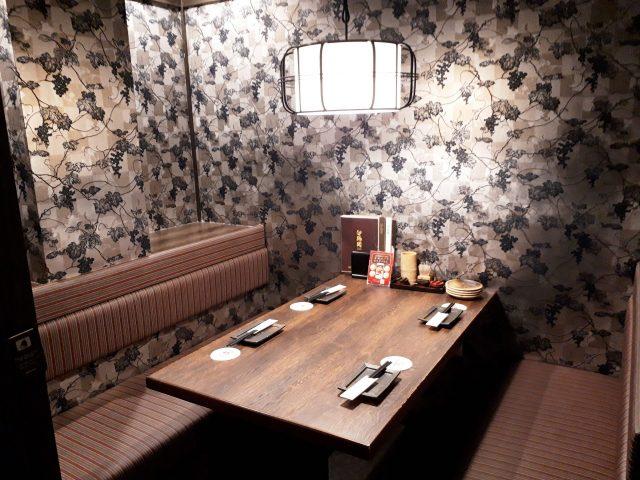 鶏鬨新川店個室