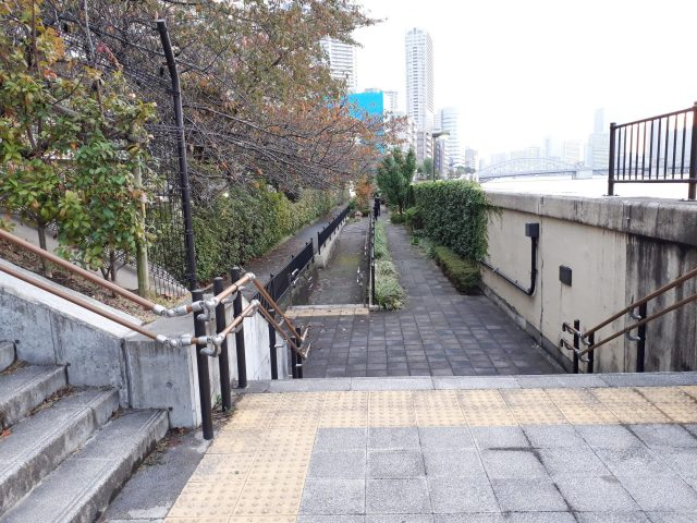 月島三丁目児童遊園階段